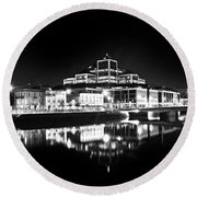 The River Liffey Reflections 2 Bw Round Beach Towel