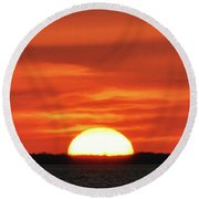 The Setting Sun Round Beach Towel