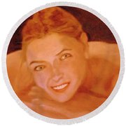 The Smiling Girl Round Beach Towel