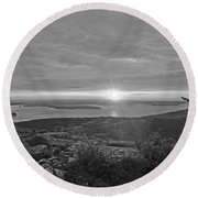 The Sunrise From Cadillac Mountain In Acadia National Park Black And White Round Beach Towel