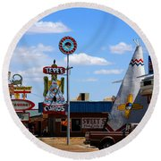 The Tee-pee Curios On Route 66 Nm Round Beach Towel