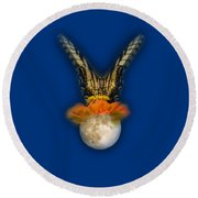 The Tiger Has Landed Tee-shirt Round Beach Towel