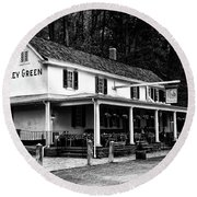 The Valley Green Inn In Black And White Round Beach Towel