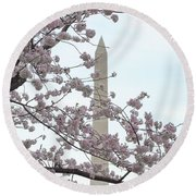 The Washington Monument At The Cherry Blossom Festival Round Beach Towel