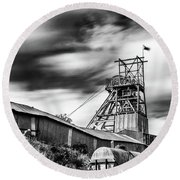 Thirty Seconds At Big Pit Mono Round Beach Towel