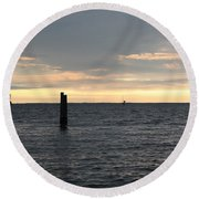 Thomas Point - The Morning Sun Over The Bay Round Beach Towel