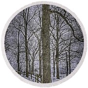 Thompson Lake Hdr  Round Beach Towel