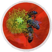 Three Bees At Lunch Round Beach Towel