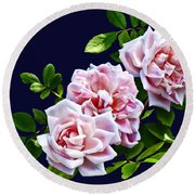 Three Pink Roses With Leaves Round Beach Towel