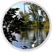 Three Swans And The Cn Tower Round Beach Towel