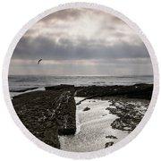 Throne Of Seagulls Round Beach Towel