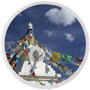 Tibetan Stupa With Prayer Flags Round Beach Towel