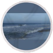 Tide Rolling In Ocean Isle Beach North Carolina Round Beach Towel