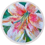 Tiger Lily Passion Round Beach Towel