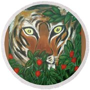 Tiger Prey  Round Beach Towel