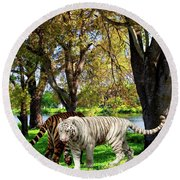 Tigers By The City Round Beach Towel