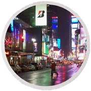 Times Square In The Rain 2 Round Beach Towel