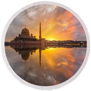 Timeslice A Day To Night Of By The Lake Round Beach Towel