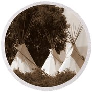 Tipis In Toppenish Round Beach Towel