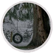Tire Swing In Winter Round Beach Towel