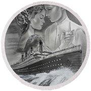 Titanic Drawing With Kate And Leonardo Round Beach Towel