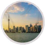 Toronto Skyline At Sunset Round Beach Towel