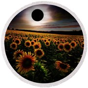 Total Eclipse Over The Sunflower Field Round Beach Towel
