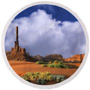 Totem Pole Monument Valley Round Beach Towel