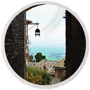 Town View In Italy Round Beach Towel