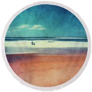 Traces In The Sand Round Beach Towel