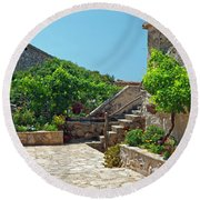 Traditional Old Hamlet Round Beach Towel