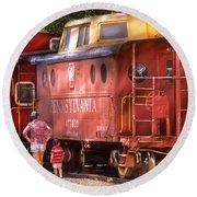 Train - Car - Pennsylvania Northern Region Caboose 477823 Round Beach Towel