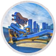 Traveling Man Chilin Round Beach Towel
