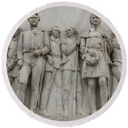 Travis And Crockett On Alamo Monument Round Beach Towel