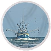 Trawler Homeward Bound Round Beach Towel
