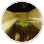 Tree Frog II Round Beach Towel