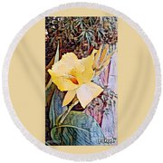Tropical Lilly Round Beach Towel