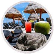 Tropical Paradise Sun, Sand, Beach And Drinks. Round Beach Towel