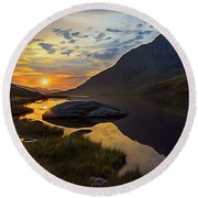 Tryfan Surnise Round Beach Towel