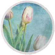 Tulips Day Round Beach Towel