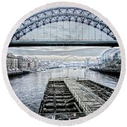 Tyne Bridge, Newcastle Round Beach Towel