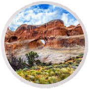 Tunnel Arch Trail View Round Beach Towel