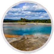 Turquoise Pool, Yellowstone Round Beach Towel