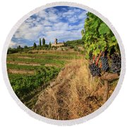 Tuscan Vineyard And Grapes Round Beach Towel