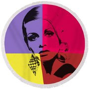 Twiggy Pop Art 1 Round Beach Towel