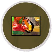 Twisted Oriole Round Beach Towel