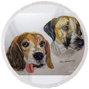 Two Dogs Round Beach Towel