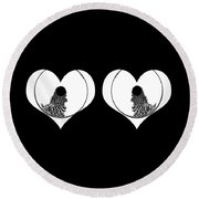 Two Dreamy Eyed Hearts Round Beach Towel