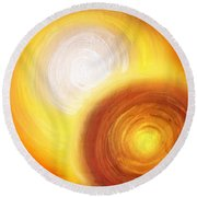 Two Fire-colored Stars Round Beach Towel