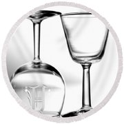 Two Glasses Round Beach Towel